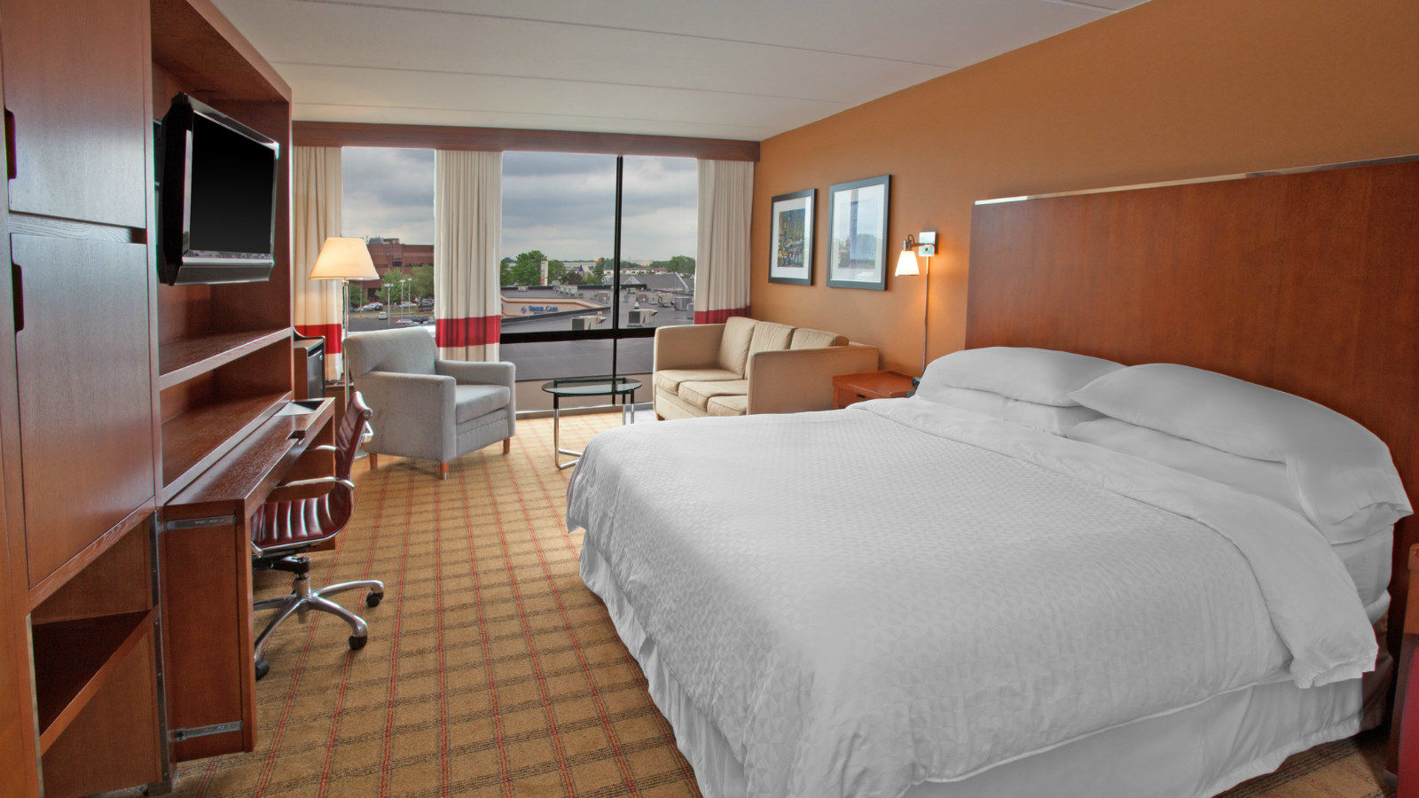 Philadelphia Accommodations - Deluxe King Room