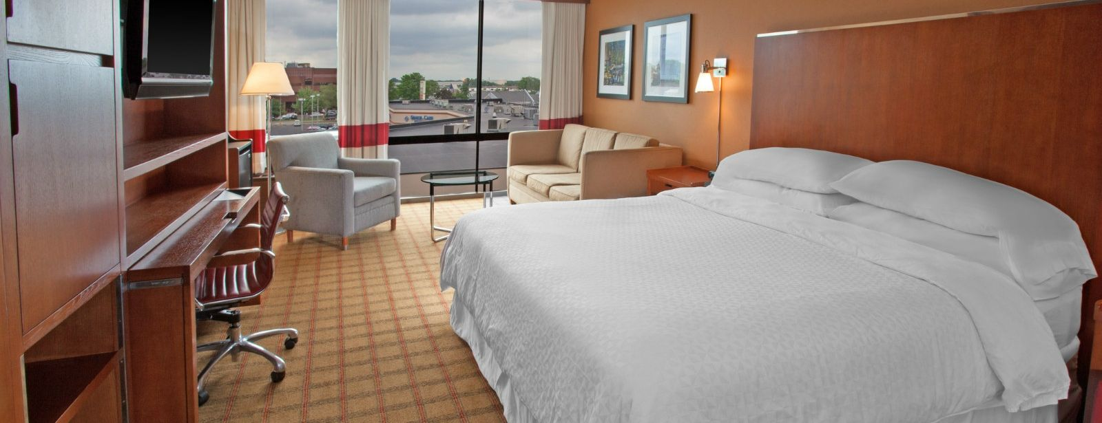Philadelphia Accommodations - Traditional King Room